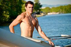 Mesdames, les Dieux de l'Aviron lancent leur calendrier 2015