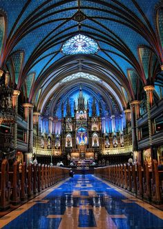 A main place to go if you are Roman Catholic or Christian you should go to the Notre Dame Basilica, Montreal Cathedral Architecture, Sacred Architecture, Beautiful Architecture, Beautiful Buildings, Beautiful Places, Revival Architecture, Places To Travel, Places To See, Montreal Ville