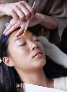 Eyebrow Waxing: At Home vs. At a Salon