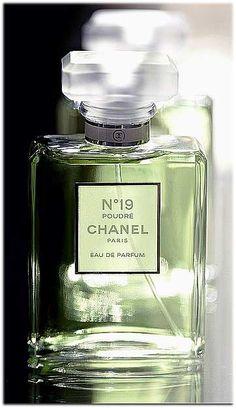 Chanel n19 Poudre. NOTES: Mandarin Orange, Grasse Neroli, Iris, Jasmin Absolute, Galbanum, Haitian Vetiver, Hyacinth, Musk, Tonka Beans.)