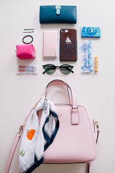 Brown Purses And Handbags Cheap Purses, Cheap Handbags, Cute Purses, Purses And Handbags, Luxury Handbags, Stylish Handbags, Luxury Purses, Handbags Online, Inside My Bag