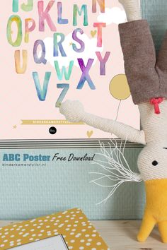 Free ABC Poster download   The birds and the Bees via Kinderkamerstylist