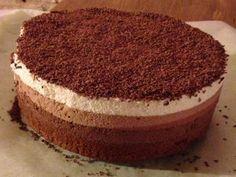 Entremet trois chocolats inratable - Recette de cuisine Marmiton : une recette Mousse Dessert, Mousse Cake, Mini Desserts, Gelato, Tiramisu, Biscuits, Bakery, Deserts, Food Porn