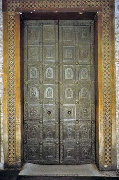 Le porte duecentesche della cattedrale di benevento - Di trani porte ...