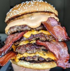 HacksFeed offers users a comprehensive set of features that allows them to enjoy getting information, Hacks, Shopping and also offers entertaining Quizzes. B Food, Food Porn, Good Food, Yummy Food, Bacon, Delicious Burgers, Exotic Food, Recipes From Heaven, Perfect Food