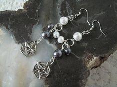 Hey, I found this really awesome Etsy listing at https://www.etsy.com/listing/121853447/pentacle-earrings-wiccan-jewelry-pagan