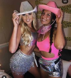 Diy halloween costumes 326792516715603518 - My college sorority is throwing a big date party and were looking for date party themes. This is making me want to wear this space cowgirl costume! Source by bysophialee Diy Halloween, Halloween Costume Teenage Girl, Halloween Costume Couple, Couples Halloween, Trendy Halloween, Halloween Costumes For Teens, Costumes For Women, Couple Costumes, Women Halloween