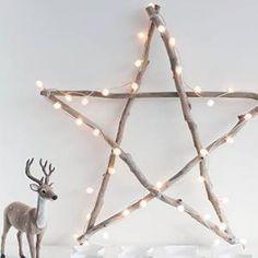 Звезда из веток, подкрашенных разбавленой белой краской