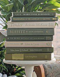 Vintage Girls Rooms, Vintage Nursery, Green Books, Blue Books, Vintage Cookbooks, Vintage Books, Marilynne Robinson, Book Centerpieces, Modern Books