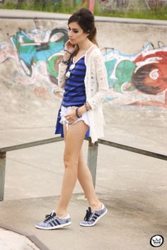 http://fashioncoolture.com.br/2013/11/29/look-du-jour-out-of-tune/