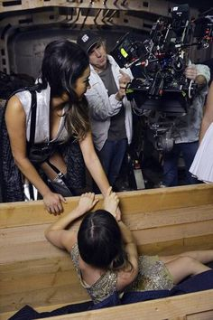 pretty little liars season 1 behind the scenes photos   Behind the scenes - Pretty Little Liars TV Show Photo (32706465 ...