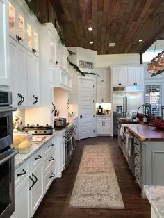 Rustic Kitchen Ideas - You do not have to live in the nation to enjoy the serenity that includes a rustic ambiance. These sensational rustic kitchen areas lie all . ideas dream 30 Most Popular Rustic Kitchen Ideas You'll Want to Copy Farmhouse Style Kitchen, Home Decor Kitchen, Home Kitchens, Rustic Farmhouse, Diy Kitchen, Kitchen Furniture, Wood Furniture, Kitchen Rustic, Awesome Kitchen
