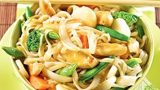 Sauté de poulet à l'asiatique - Recettes de cuisine, trucs et conseils - Canal Vie