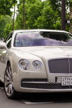Bentley Flying Spur - hire one today from www.executiverides.co.uk