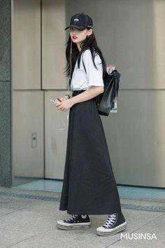 Korean Street Fashion 2018 - All About Korean Outfit Street Styles, Street Style Outfits, Korean Outfits, Casual Outfits, Fashion Outfits, Korean Clothes, Korean Fashion Trends, Asian Fashion, Korea Fashion
