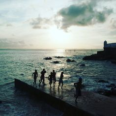 Forte Santa Maria originally dates to 1614 although the present structure is from 1696 being built to defend Salvador's original harbor. Closed to the public it is a well-known city landmark and its beach is a popular bathing spot. (Photo by Federico Tovoli)  #photooftheday #bahia #travel #trvl #travelphotography