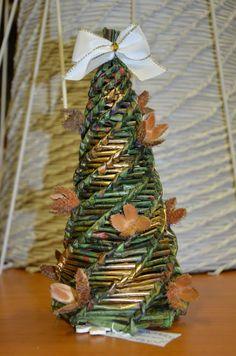 Album, Table Decorations, Facebook, Christmas Ornaments, Holiday Decor, Home Decor, Decoration Home, Room Decor, Christmas Jewelry