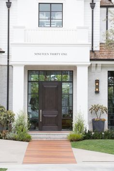 Farmhouse front door ideas that will give your home a whole new look. Discover front door ideas that are sure to give your visitors a stylish welcome. Door Design, House Design, Traditional Exterior, Traditional House Numbers, Glass Front Door, Front Doors, Garage Doors, Farmhouse Front, Curb Appeal