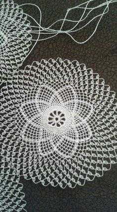 Gerbera Daisy pattern by Happy Patty Crochet Thread Crochet, Filet Crochet, Crochet Motif, Crochet Doilies, Crochet Lace, Crochet Hooks, Doily Patterns, Knitting Patterns, Crochet Patterns