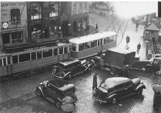 Dette er ved Holbergskaien. Kalfartrikken hadde endestopp her til 1950 Fra Bergen 1939 - C.Sundts gate.  Fotograf : Carl Bjørn Olsen/Universitetsbiblioteket i Bergen.