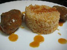 MARI PLATEAU: Σουτζουκάκια με ρύζι