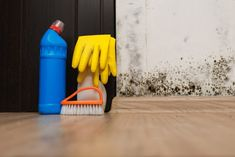 Black Mold Removal: 7 Effective Hacks to Clean black Mold Borax Cleaning, Car Cleaning Hacks, House Cleaning Tips, Duct Cleaning, Clean Quartz Countertops, Clean Black Mold, Homemade Cleaning Products, Window Cleaner, Clean House