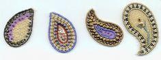 """""""Paisleys"""" bordados con abalorios. Pueden usarse como aplicaciones en cualquier trabajo manual."""
