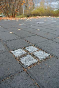 #betonikiveys #graniittinoppa #paving #graniteblocks Paving Ideas, Sidewalk, Gardens, Flooring Ideas, Side Walkway, Sidewalks, Pavement, Walkways, Tuin