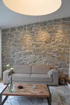 Wall coverings for rough stone construction - Annika DIY Exterior Wall Cladding, Stone Cladding, Stone Wall Living Room, Stone Veneer Fireplace, Stone Wall Design, Stone Houses, House Design, Interior Design, Home Decor