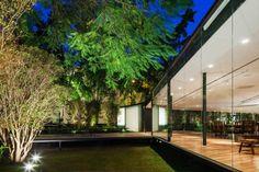 CJ House by Andrade Morettin Arquitetos Associados 02