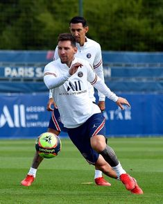 Lionel Messi, Running, Sports, Soccer Backgrounds, Zen, Soccer Motivation, Football, Paris Saint, Service