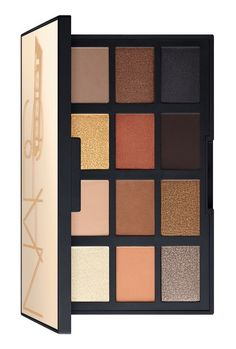This palette features twelve richly saturated shadows that glide on effortlessly, leaving a velvety finish.