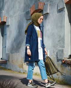 46 ideas for dress hijab casual fashion Modern Hijab Fashion, Street Hijab Fashion, Tokyo Street Fashion, Hijab Fashion Inspiration, Muslim Fashion, Modest Fashion, Trendy Fashion, Fashion Outfits, Hijab Fashion Style