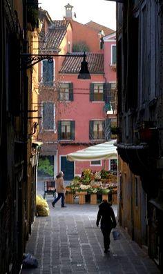 Campo Santa Margherita - Venezia, Italy | Flickr - Photo by Carmelo61 PhotoPassion Thanks