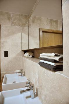 Kúpeľňa Vinohradis z travertínu ivory light nevyplneného matného 208a | Travert s.r.o.  http://travert.sk/referencia/kupelna-z-travertinu-ivory-light-nevyplneneho-matneho-208a