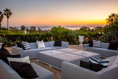 Pacific Coast Highway, Malibu, CA Holistic Approach, Private Room, Outdoor Furniture Sets, Outdoor Decor, Luxury Homes, Clinic, The Help, Patio, Modern