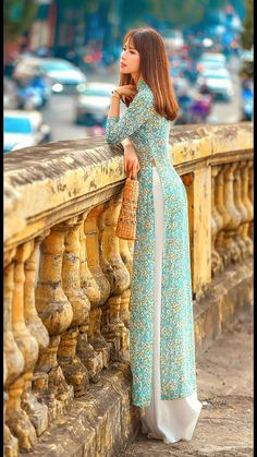 Indian Gowns Dresses, Indian Fashion Dresses, Dress Indian Style, New Designer Dresses, Indian Designer Outfits, Pakistani Designer Clothes, Long Dress Design, Stylish Dress Designs, Ao Dai