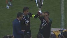 Momento de entrega do troféu Pauleta depois da conquista do Sporting Clube de Portugal! #sporting #SportingClubePortugal #sportingfans #Pauleta #MarceloBoeck #Paulinho