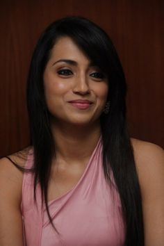 Trisha Latest Stills (8)