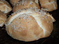 Pan sin levadura glutenfree http://cocinafacilsingluten.blogspot.com.es/2007/12/panecillos-sin-levadura.html