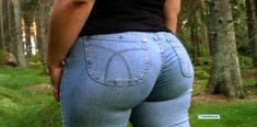 jeans make your butt look bigger . Sexy Jeans, Skinny Jeans, Big Butts, Girls Jeans, Science, Most Beautiful Women, Omega, Oxford, Vogue