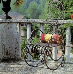 Metal against stone. Wrought Iron Chairs, Wrought Iron Decor, Iron Furniture, Steel Furniture, Deco Retro, Iron Art, Iron Gates, Blacksmithing, Metal Art