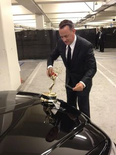 Funny pictures about Tom Hanks attempts to turn his limo car into a Rolls Royce. Oh, and cool pics about Tom Hanks attempts to turn his limo car into a Rolls Royce. Also, Tom Hanks attempts to turn his limo car into a Rolls Royce. Christian Grey, Monsieur Madame, Funny Quotes, Funny Memes, Tv Memes, Car Quotes, Funny Pranks, Movie Quotes, Actrices Hollywood