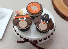 Cake Decorating Tutorials, Videos, Baking Tips, Design Ideas Owl Cupcakes, Fondant Cupcakes, Cake Pop Tutorial, Photo Tutorial, Thanksgiving Cupcakes, Cupcake Toppers, Cupcake Ideas, Cake Decorating Tutorials, Baking Tips