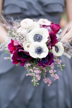We have totally fallen in love with the flowers that bloom during these colder months. We broke down 20 beautiful winter wedding bouquets by color, and there's a little something for every color palette! Wedding Flower Guide, Winter Wedding Flowers, White Wedding Bouquets, Flower Bouquet Wedding, Bridesmaid Bouquet, Floral Wedding, Anemone Wedding, Flower Bouquets, Bridal Bouquets