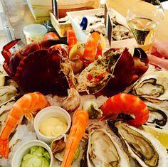 Seafood time at L'écailler de l'ébéniste, Paris.
