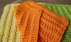 Knitting Patterns Dishcloth Ravelry: Reversible Textured Dishcloth pattern by Sammie Carraher Knitted Washcloth Patterns, Knitted Washcloths, Dishcloth Knitting Patterns, Crochet Dishcloths, Knit Crochet, Crochet Patterns, Cast On Knitting, Loom Knitting, Knitting Stitches
