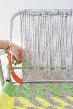 DIY macrame garden chair. I will probably never do this but I have to save the DIY.