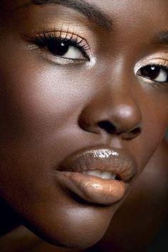 makeup - dark skin - gold tones