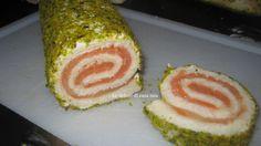 rotolini di salmone e pistacchi